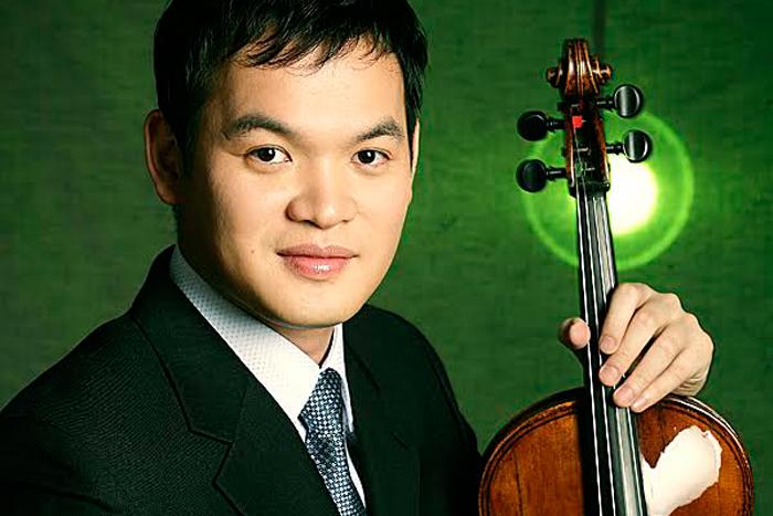 中提琴音樂家黃鴻偉